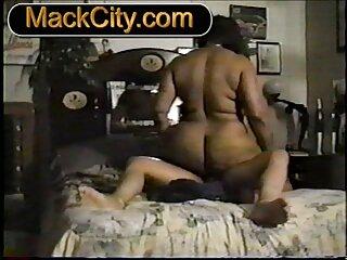Se quitó las bragas rosas y se masturba para ti porno subtitulos español