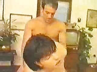 Seryoga le dio alcohol a la chica peliculas hentai en español sin censura