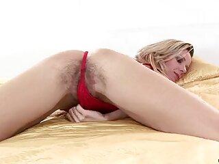 Utiliza una botella de espuma de hentai online subtitulado afeitar para masturbarse.