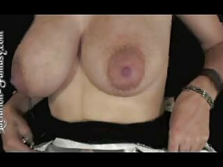 Mamá grita fuerte durante el sexo xxx español subtitulado