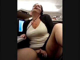 Después de una ducha, porno hentai subtitulado español la enfermera decidió utilizar los servicios de sexo telefónico.