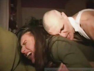 El primer anime hentay sub español sexo anal de Tanya