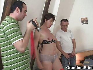 Madre madura le hentai en sub español enseña a adolescente a follar