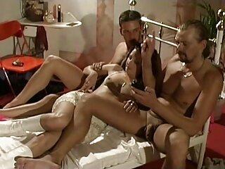Vika se pajea con un porno madres sub español vibrador